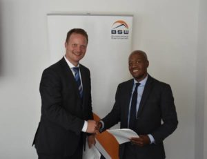 Mr Jӧrg Mayer, Managing Director at BSW-Solar (left) and Mr Moeketsi Thobela, CEO at SAPVIA (right).