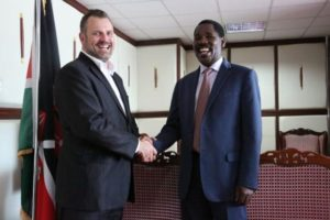 Windlab Africa MD Peter Venn and Meru County Governor Peter Munya sign the development agreement. Pic credit: Windlab
