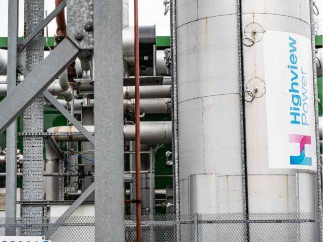 liquid air energy storage