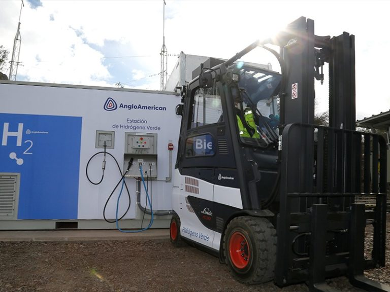 Anglo American launches green hydrogen fueling station in Chile